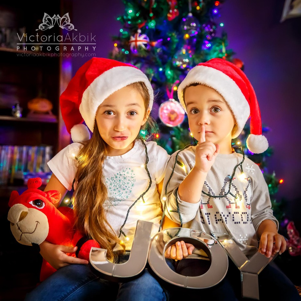The Best Christmas Gift EVER? | Abu Dhabi Lifestyle Family Photography » Victoria Akbik Photography